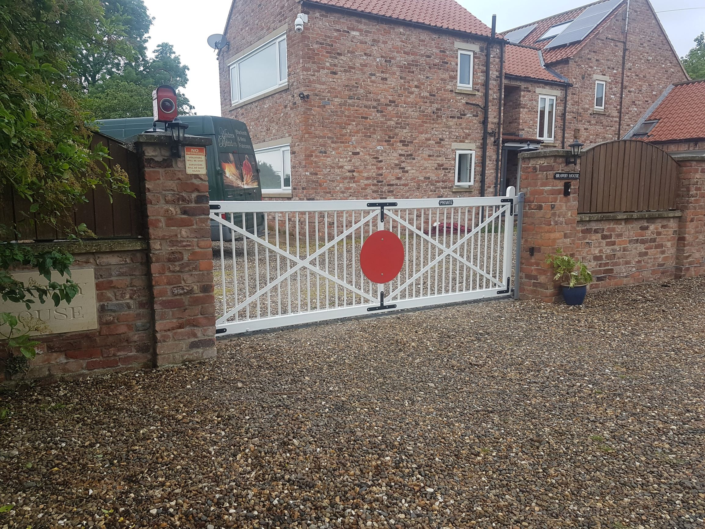 20170622_142344 Sliding gate